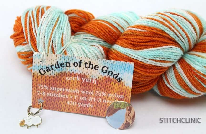 blended Fiber yarn in orange and teal to look like the sky and rocks at Garden of the God in Colorado